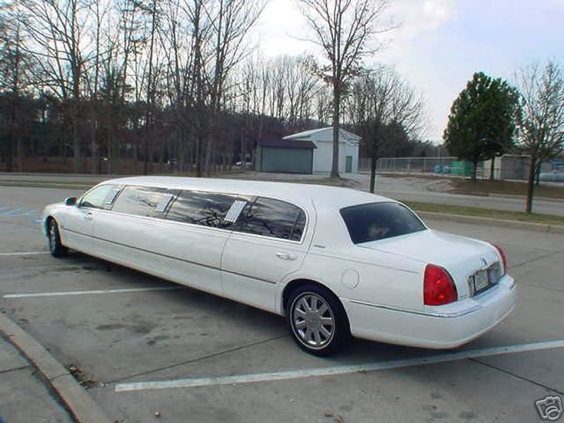 lincoln-limo-manchester-large